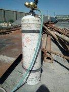 许期钢:你知道乙炔瓶储存、使用时为什么必须直立,而不能卧放?